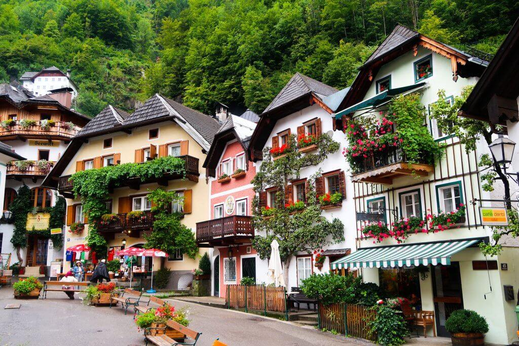 Travel in Hallstatt with travel blogger The Globetrotting Detective